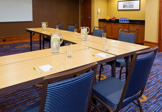 Courtyard by Marriott Rochester Brighton: Meeting Room - U-Shape Setup