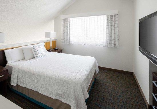 Placentia, CA: Loft Bedroom