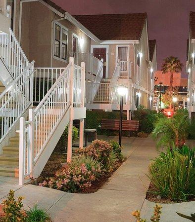 Placentia, Kalifornia: Guest Room Entrance
