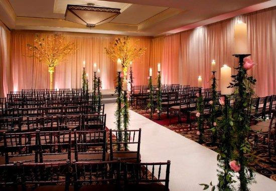 New York Marriott Downtown: Grand Ballroom – Wedding Ceremony