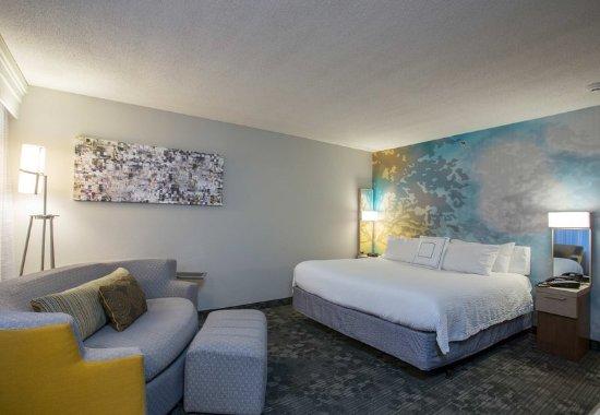 Raynham, MA: King Guest Room