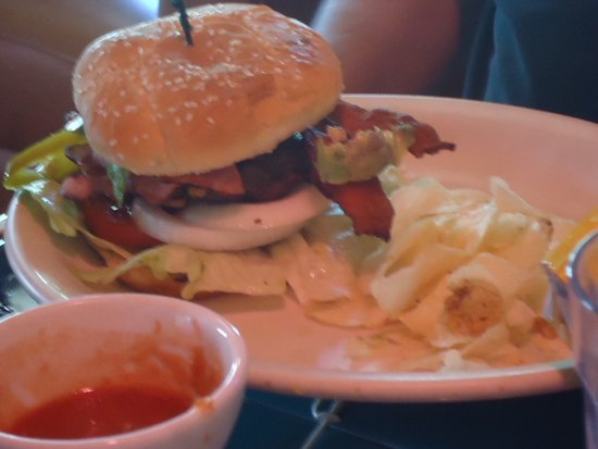 Chino Valley, AZ: Roberto Burger