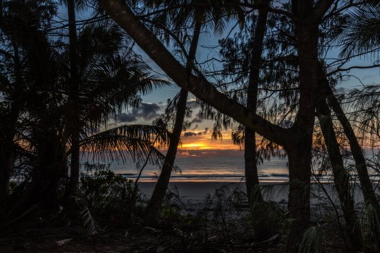 Peninsula Boutique Hotel: Sunrise on the Pacific