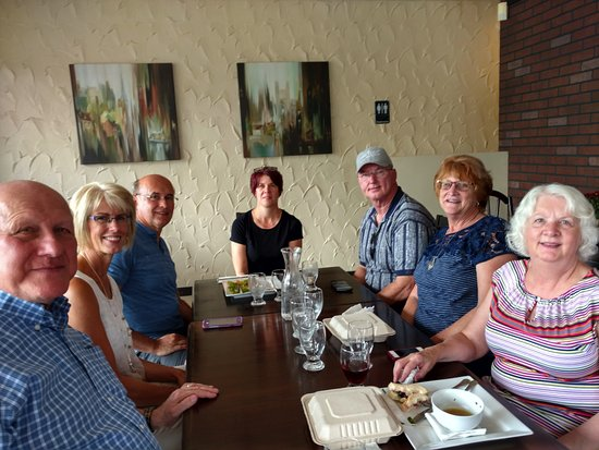 Aldergrove, Canada: Lunch with some friends.