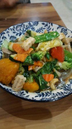 Murwillumbah, Australia: vegetable delight with cashews