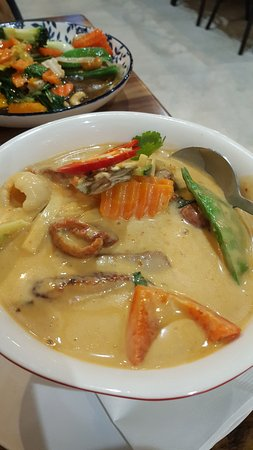 Murwillumbah, Australia: roasted duck curry