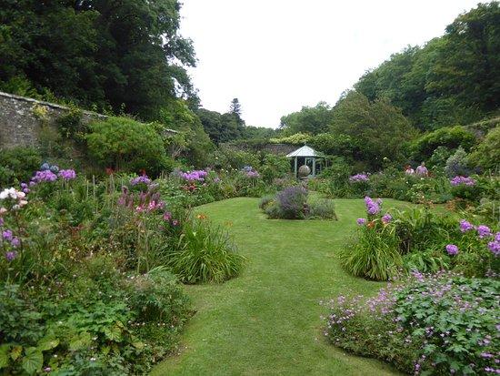 Hartland Abbey & Gardens: The beasutful walled garden