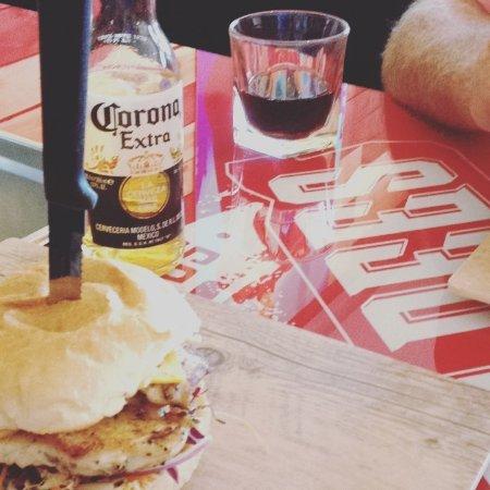 Gympie, Australia: The 'New York' chicken burger