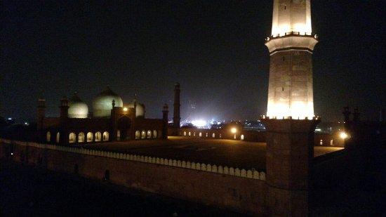 Badhshahi Masjid as seen from Cuckoo's Den Rooftop Restaurant
