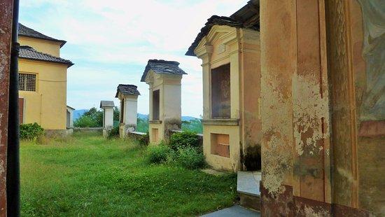 Pogno, Italia: Cappelle Via Crucis
