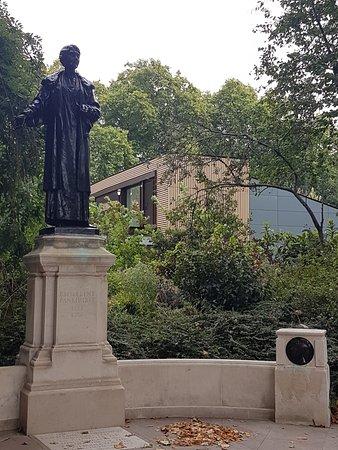 The Victoria Tower Gardens: Emmeline Pankhurst