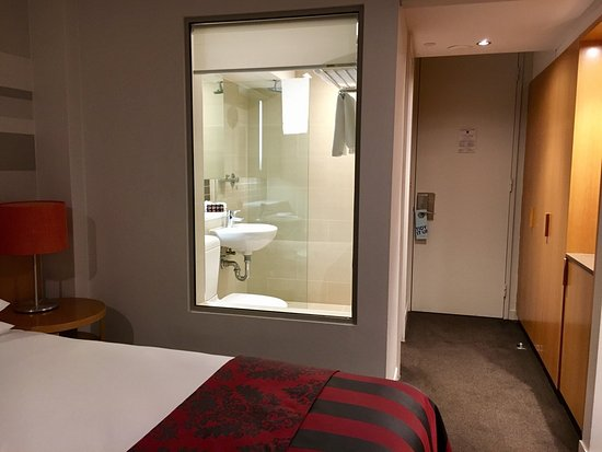 Deluxe King Room Picture Of North Sydney Harbourview Hotel North