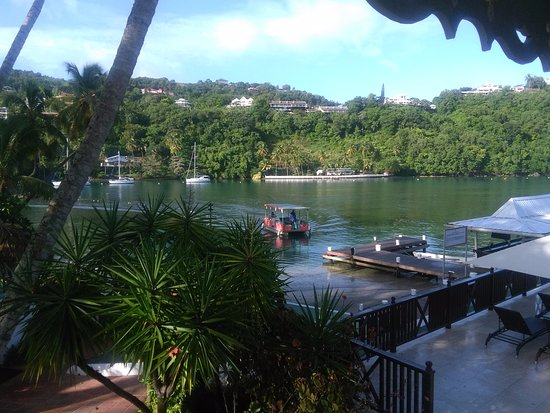 Marigot Beach Club and Dive Resort: View from balcony