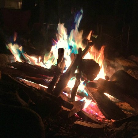 Erwin, TN: Fire pits available all over the site... get out your marshmallows!