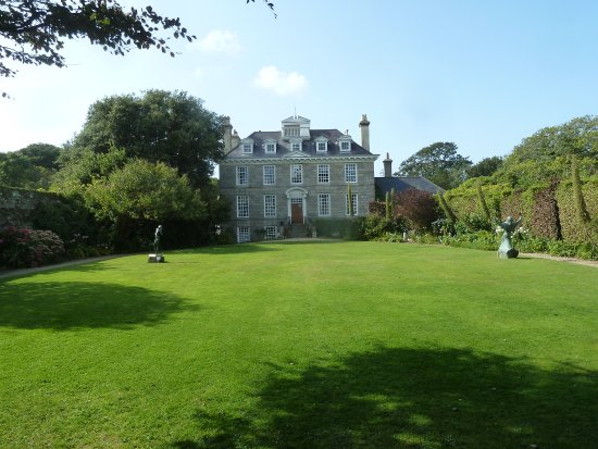 St Martin, UK: Sausmarez Manor House