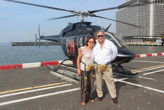 New York by, NY: Paseo en helicóptero para sobrevolar Manhattan, no se lo pierdan, altamente recomendable!!!