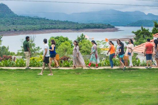 Residency lake resort spa mulshi india foto 39 s for K salons professionals pune maharashtra