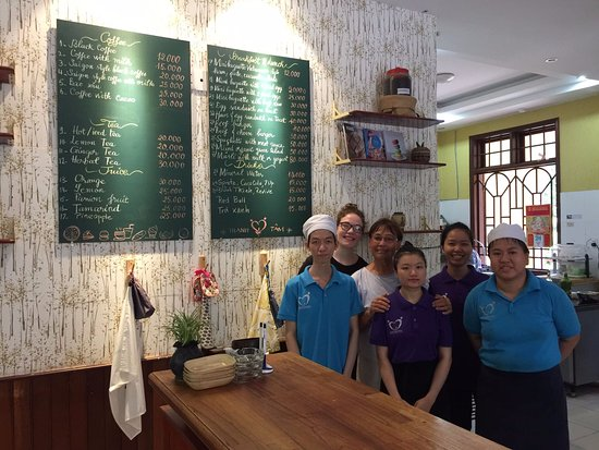 Thanh Tam coffee & bakery: The family!