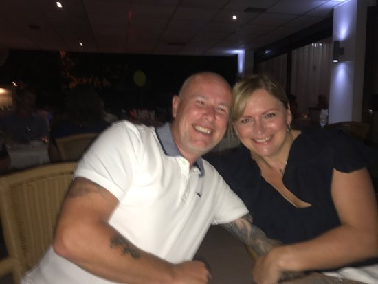Blueberries Restaurant and Bar : One of a few restaurants in Cyprus that we always come back to see the Host Chris For a meal tha