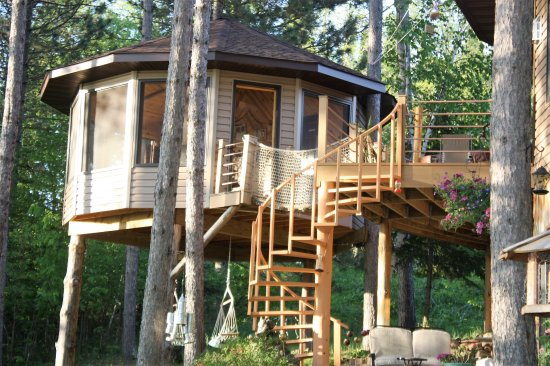 Squaw Lake, MN: the tree house spa