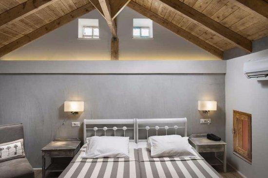 Hotel Morfeas: loft room