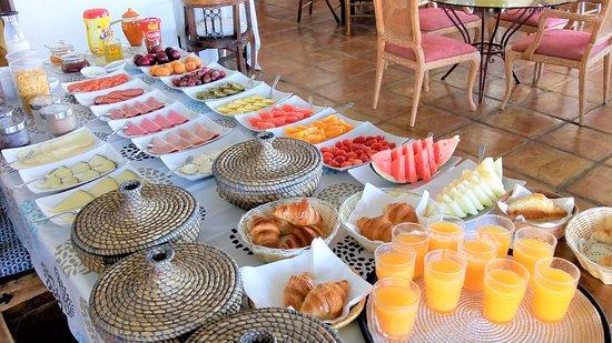 Ojen, Spain: breakfast