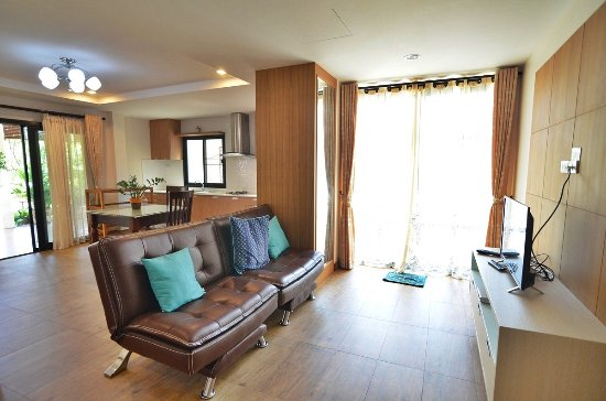 Common room of 2B apartment - Picture of Rimtalay Angsila ...