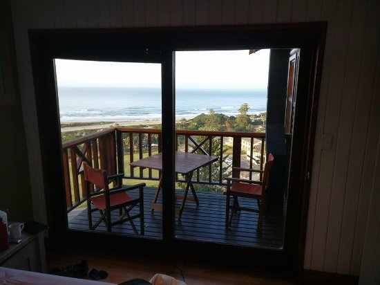 Boardwalk Lodge: View from bedroom across teh bay