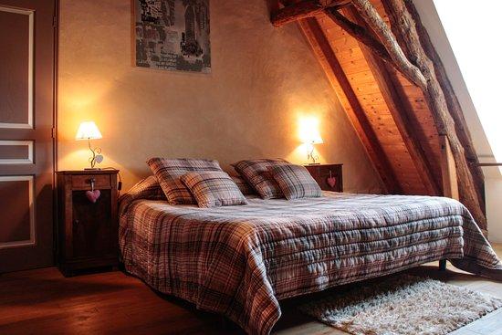 Saint-Avit-Senieur, Fransa: Chambre mansardée ou familiale à l'étage.