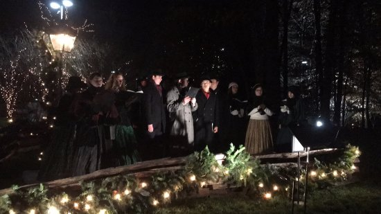 billy graham library christmas carolers