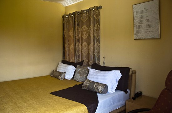 Quest Lodge $48 ($̶5̶9̶) - Prices & Guest house Reviews - Accra on beach master bedroom, beach inspired bedrooms, luxury bedroom designs, beach style bedrooms, beach themed bedrooms for adults, beach rooms for girls, castle bedrooms designs, beach theme bedroom, girls bedrooms designs,