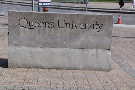 Queens University: Queen's University