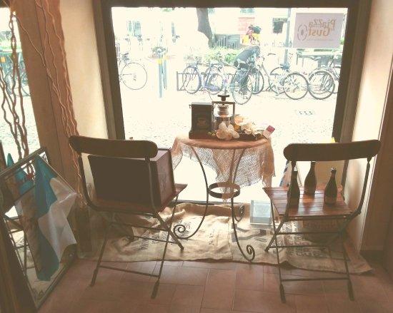 Artlife Caffe Penazzi 1926: La bella vetrina