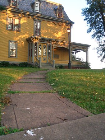 Charlottetown walking tours