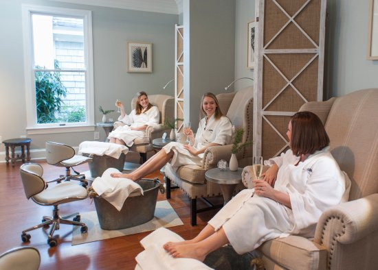 Pittsboro, NC: The Spa offers seasonal treatments featuring products exclusively designed for Fearrington