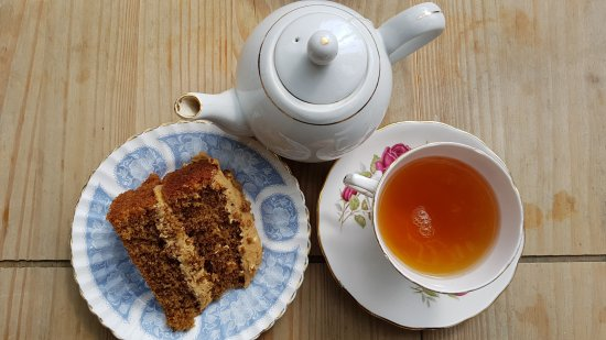 Teacake at Shepreth: Earl Grey tea with walnut & coffee cake