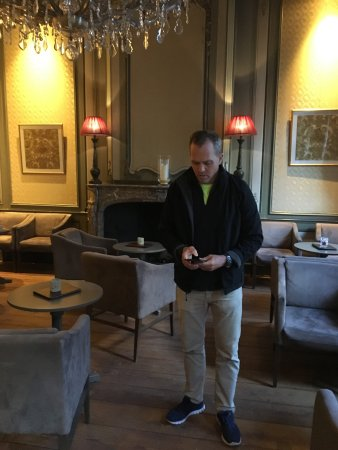 Hotel Jan Brito: my brother in the comfy lobby area