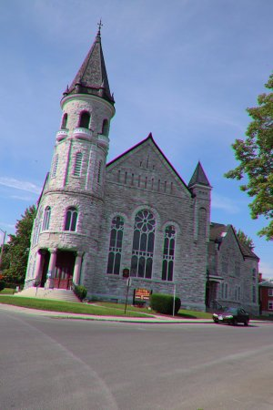 Chalmers United Church