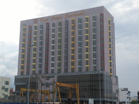 Hotel Grand Continental: Hotel Exterior