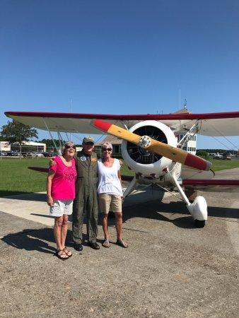 Manteo, Carolina do Norte: Getting ready ti go with our fabulous pilot Danny