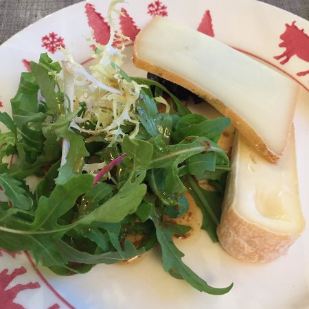 Les Contamines-Montjoie, France: side salad and cheese