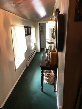 Allegiance Bed and Breakfast: 2nd floor corridor
