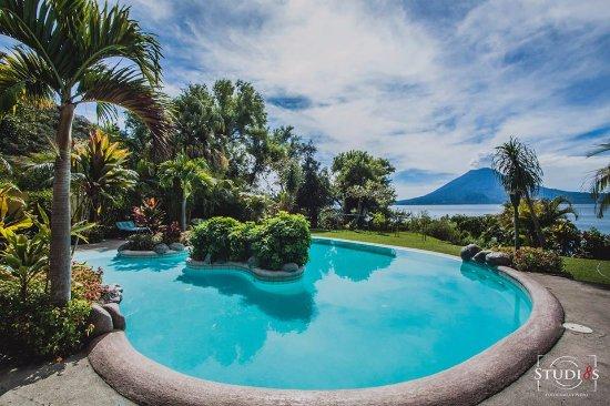 Hotel San Buenaventura de Atitlan: enjoy our beautifull pool with an amazing view