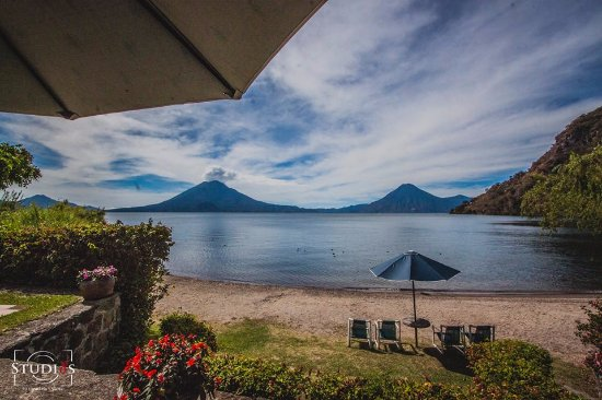 Hotel San Buenaventura de Atitlan: We have one of the best beaches