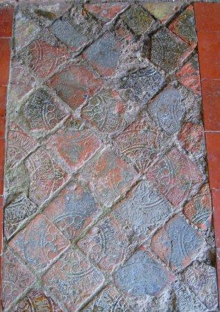 Drogheda, Irlanda: Original tiles