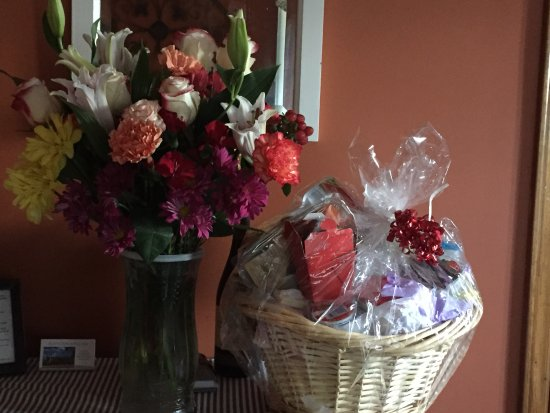 Willis, VA: special orders, gift basket or flowers