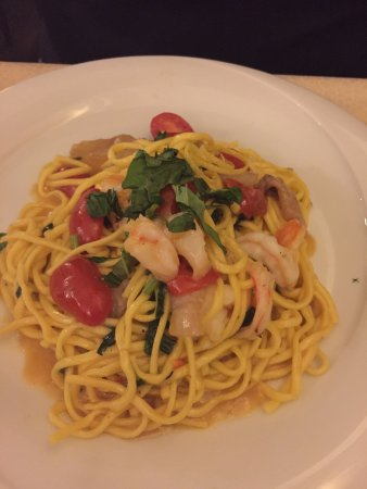 Osteria La Gensola: Declared the best pasta of the trip. Shrimp with guinciale