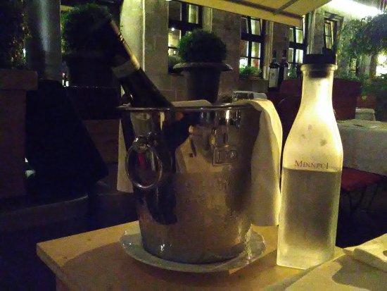 Minneci: Ausgezeichnete Wahl der italienischen Weine