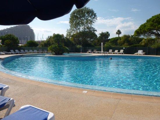 Hotel bahia villeneuve loubet france voir les tarifs for Piscine villeneuve loubet