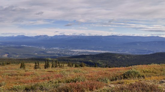 Sky High Wilderness Ranch: A horse back riding trail that over looks Whitehorse